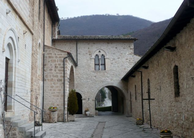 The courtyard of St Eutizio abbey.