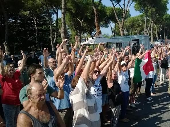 Protest in Rome over refugees