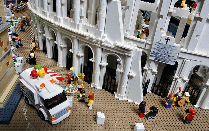 Lego Colosseum on Rome's Pincio