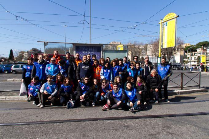 A Retake Roma team at Stazione Trastevere. Photo Virginia Vitalone.