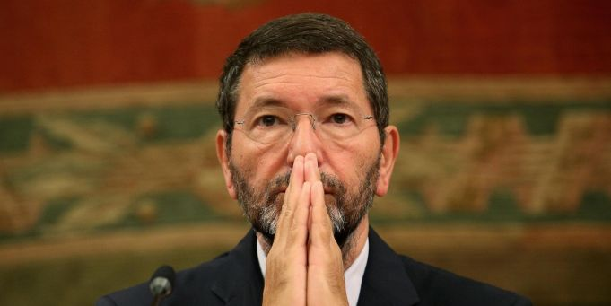 Rome's Mayor withdraws his resignation