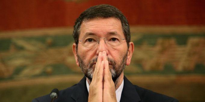 Rome's Mayor withdraws his resignation