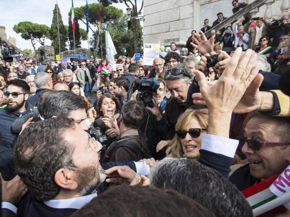 Rome mayor receives support