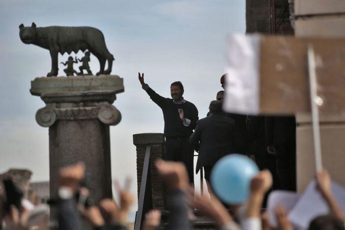Rome mayor hints at comeback