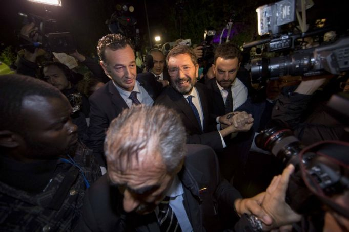 Rome mayor in standoff with PD party