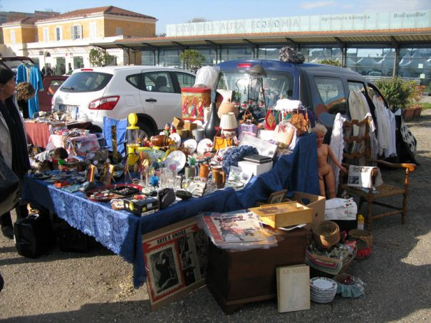 Car Boot Market in Rome