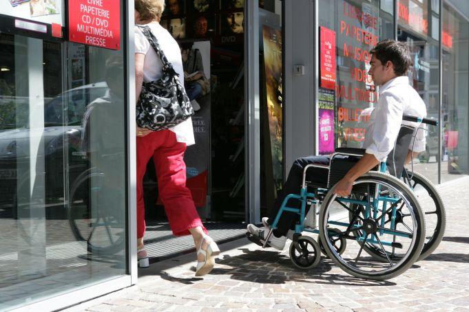 Surviving Rome in a wheelchair