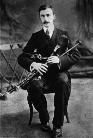 Éamonn Ceannt played the uilleann pipes for Pope Pius X.