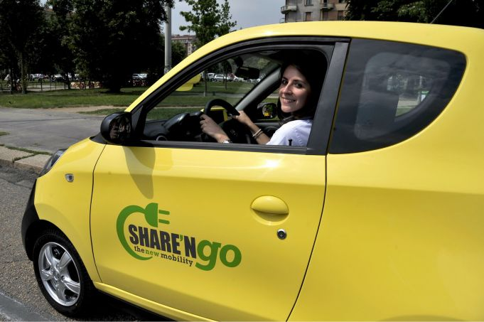 Electric car sharing in Rome