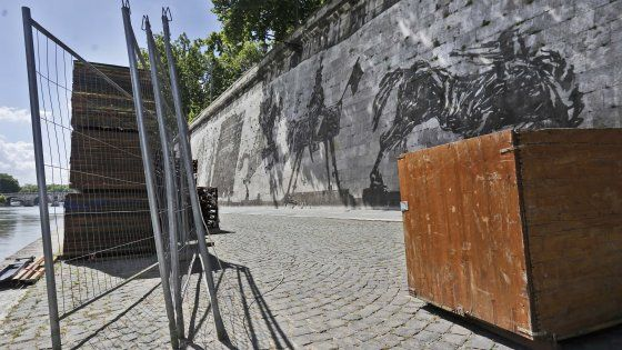 Kentridge mural saved from Tiber stalls