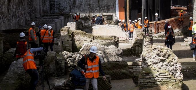 Ancient Roman barracks under Rome metro