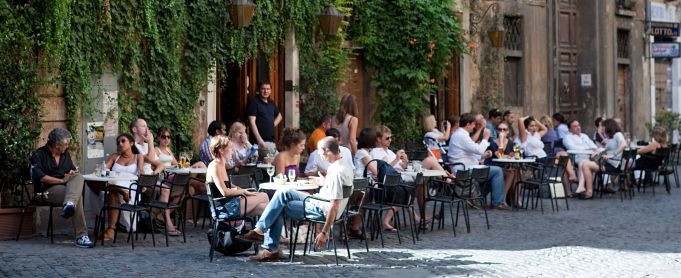 Rome's Bar della Pace closes for good