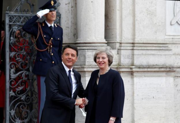 May meets Renzi in Rome