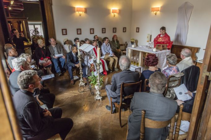 A service in the Chapel of the Anglican Centre.