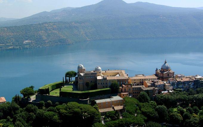Pope Francis opens Castel Gandolfo to public