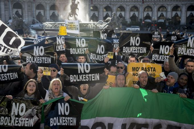 Rome street vendors protest Bolkestein free trade directive