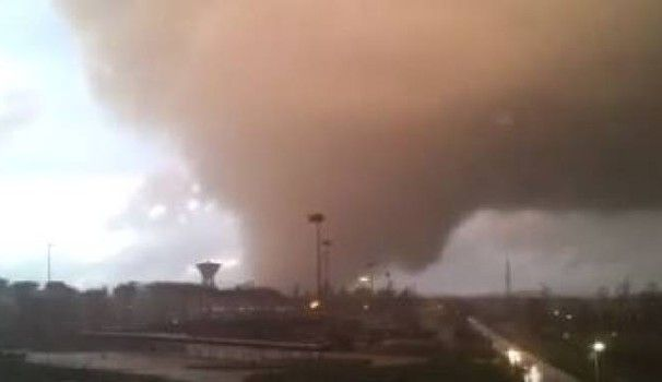 Rome coast hit by tornado