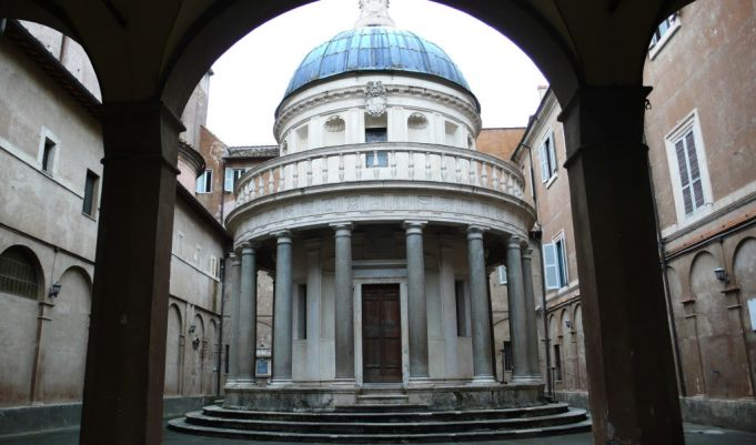 Bramante's Tempietto forms part of the church of S. Pietro in Montorio where O'Neill is buried.