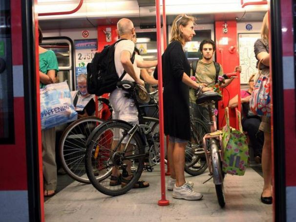 Bicycles on Rome buses