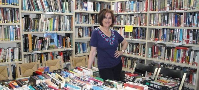 Extraordinary book sale at S. Susanna Library