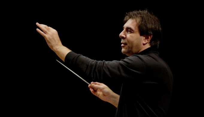 Daniele Gatti conducts at S. Cecilia