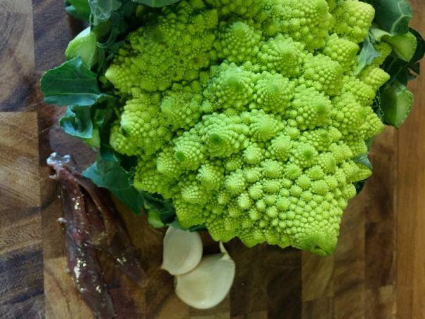 Pasta con Broccolo Romanesco - Ingredients