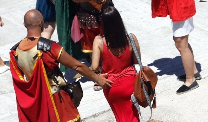 Costumed centurions fined in Rome