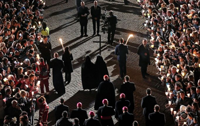 Via Crucis in Rome for women who suffer violence