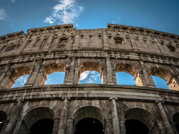 Colosseum closure angers Italy's prime minister