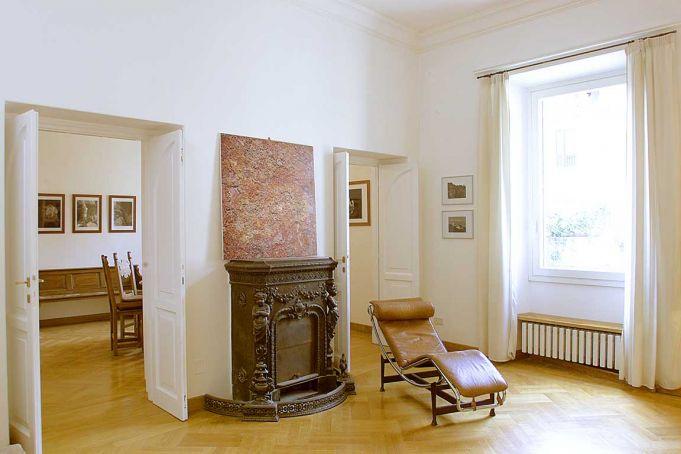Flat for Sale in Trastevere