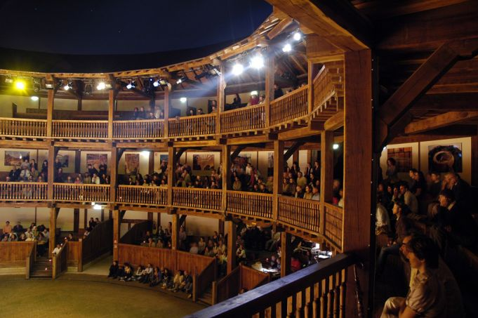 Rome's Globe Theatre. Photo Mimmo Frassineti.