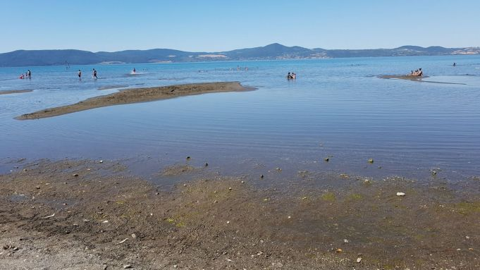 Rome's Bracciano Lake in critical condition