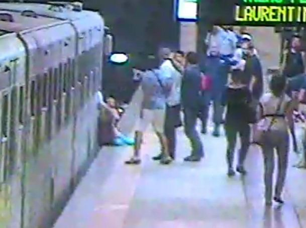 Rome subway driver investigated after woman trapped in train doors
