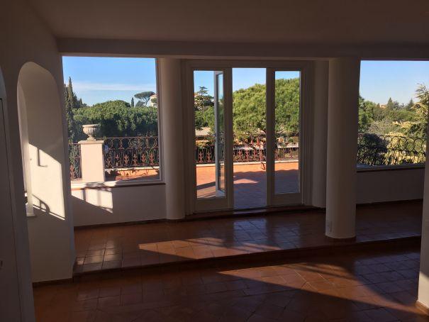 1-bedroom Penthouse near Ponte Milvio & Stadium - IMMOBILIARE ZANNI