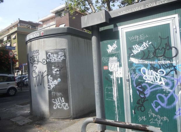 Only one public toilet open in Rome
