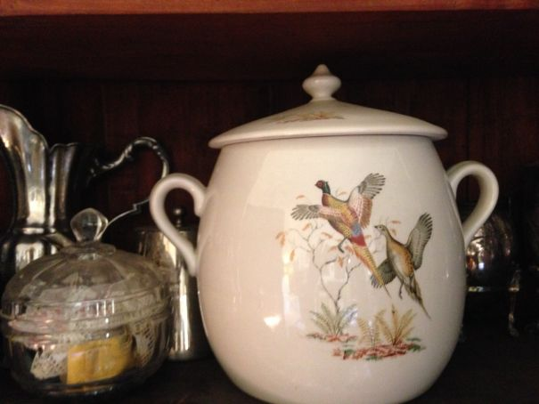 Old French porcelain tureen beginning XX Century with pheasants
