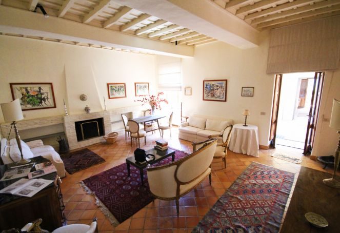 Exclusive apartment for sale in the mediaeval castle of Filacciano - 30 min from Rome