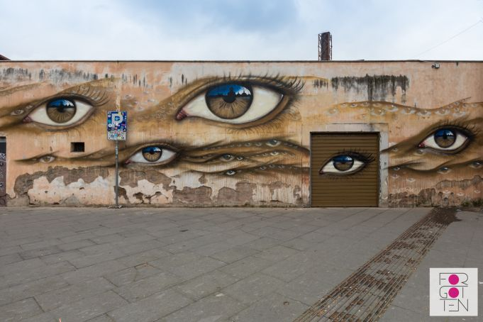 My Dog Sighs unveils mural in Rome