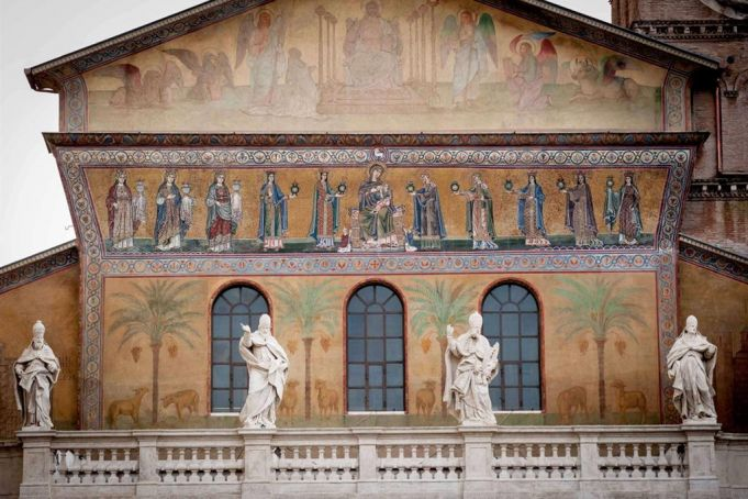 Rome restores S. Maria in Trastevere