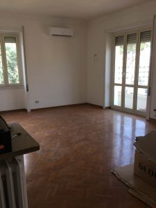 Remodeled, 3-bedroom flat in Parioli - AVAILABLE