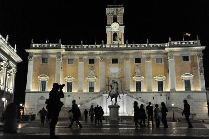 Rome illuminates city hall with LED lights