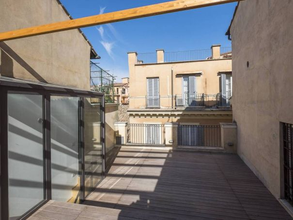 Independent apartment in Monti - 2 bedrooms + Terrace
