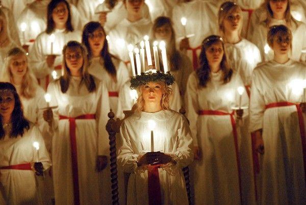 Sweden's S. Lucia choir sings in Rome