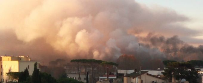 Massive fire breaks out at Rome waste plant