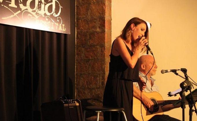 Acoustic soul duo at Teatro S. Genesio