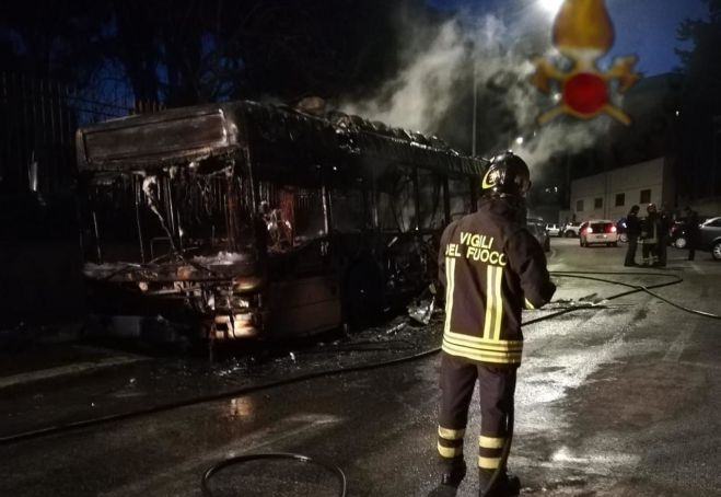 Rome city bus bursts into flames: first of 2019