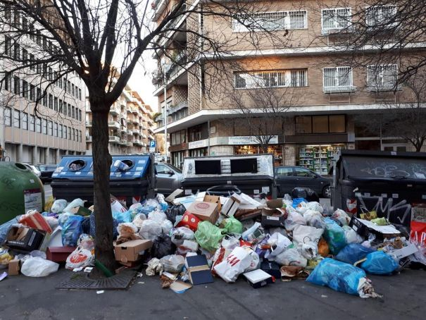 Doctors warn Rome trash crisis poses serious health risk