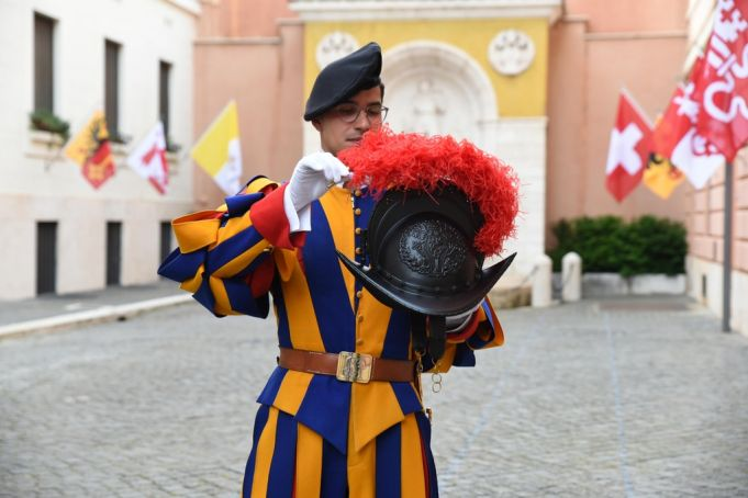 New PVC helmets for Swiss Guards