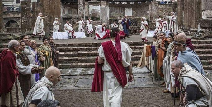 Rome re-enacts assassination of Julius Caesar