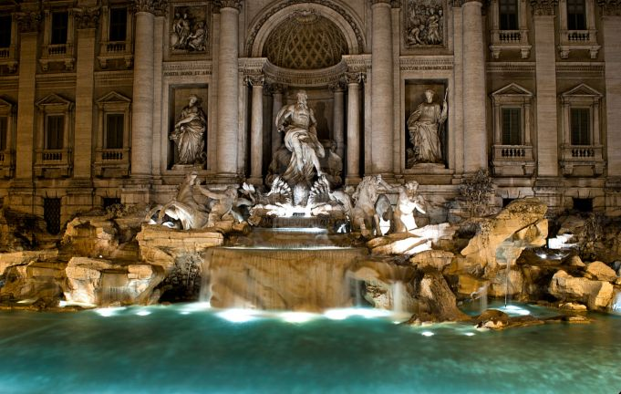 Student used key to carve into Trevi Fountain